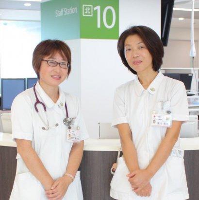 慢性呼吸疾患看護認定看護師 (左)西村あけみ(右)寒川晃弓